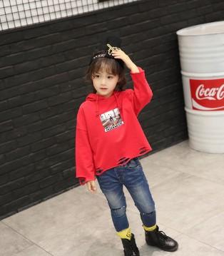 这个秋季想要时尚 就要穿上加菲A梦品牌童装