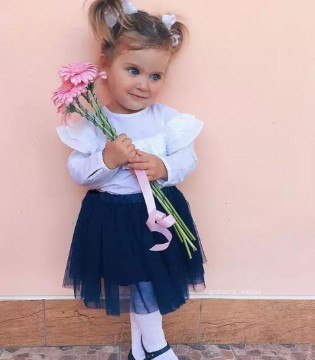 生一个可爱的女儿 然后再给她这样打扮......