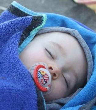 宝宝出生第一年 妈妈最好先看看这份养育宝典