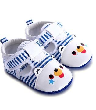 买宝宝学步鞋要注意这4点 不仅孩子穿着舒服还利于长高