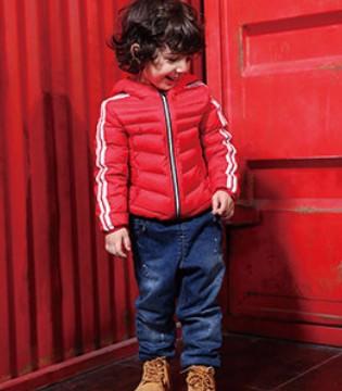 坚持原创的小猪班纳品牌童装给孩子一个充满激情的童年
