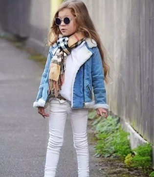 酷炫秋冬街拍搭配 5岁小萝莉这样穿