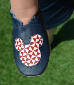 宝宝穿鞋就哭 是你还没有学会保护孩子的小脚丫