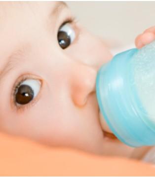 如今国粉发展形势一片利好 为何增速还不敌洋奶粉