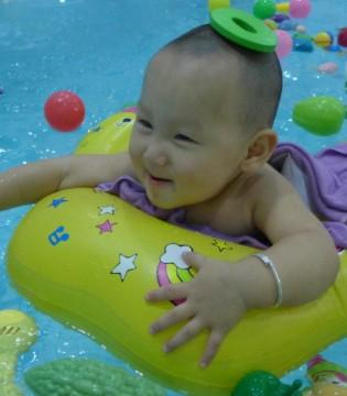 为什么秋冬天都要带宝宝参加游泳呢
