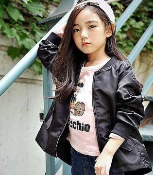 韩国小美女穿搭法 飘逸而甜美街拍照