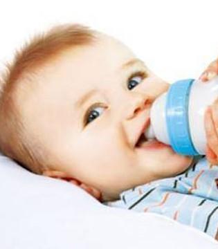 哺乳时如何能判断宝宝是否吃饱了呢