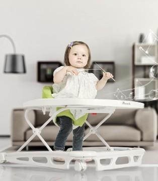 风靡妈妈圈的学步车 真的有利于宝宝走路吗