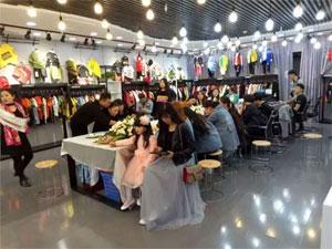 KISSZUZU 18春夏新品订货会成都站、武汉站相继圆满成功