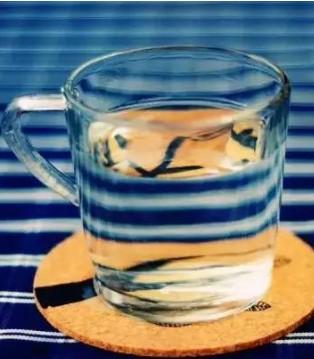 多喝水对身体真的好吗 这几类人千万不能多喝