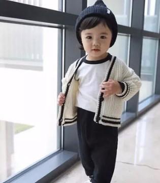 2岁萌妞的简约休闲风穿搭 有这样可爱的女儿也太幸福啦