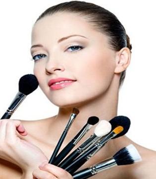 孕期哺乳期美容指南:能不能化妆、烫染发、美甲