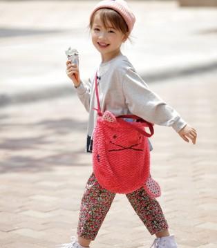天冷也可以吃雪糕 因为穿上了Rag Mart爱佳乐品牌童装