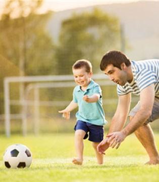 孩子踢足球好处多 孩子踢足球如何避免受伤