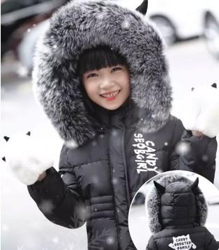 小象Q比说:孩子们应该穿最美最暖和最健康的衣服