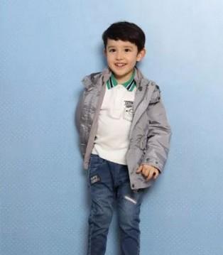 采童庄:秋天的周末带孩子游玩穿衣怎么搭配呢