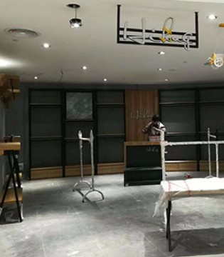 HIHUG品牌童装强势入驻江西泰和天虹 新店正在筹备开业