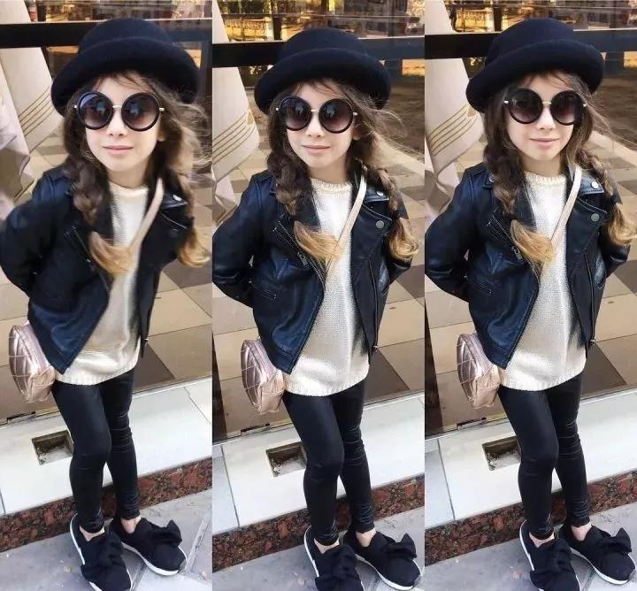 这位小萌妞的秋冬搭配不仅吸睛 亲子装也时尚有型