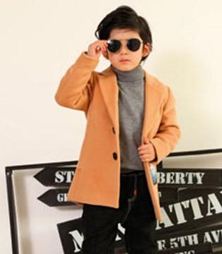 秋冬季需防凉 穿上零零柒童品外套 帅气简约气质脱俗