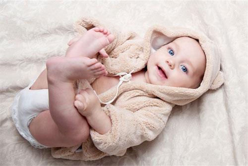 寶寶尿量少尿頻怎么回事