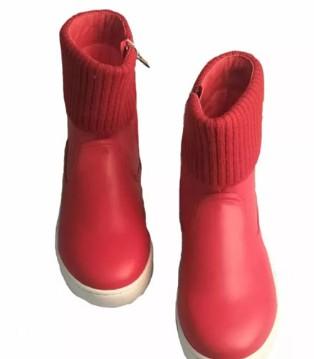 """沙龙岛童鞋.用爱做人.用心做鞋.用爱""""关爱留守儿童"""""""