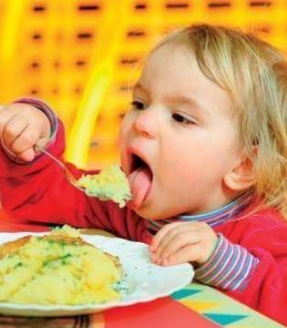伊威辅食荤素搭配 让宝宝补铁更轻松