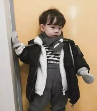 可爱萌娃搭配法 时尚与质感并存 各种造型都能驾驭
