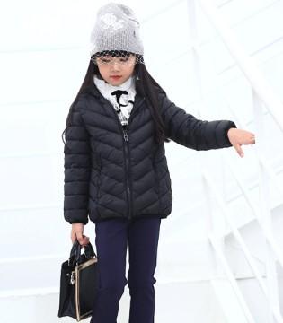 冬季选择什么羽绒服 小象Q比品牌童装为你解忧
