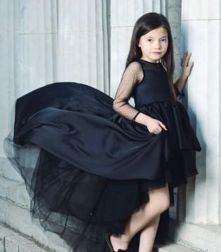 这是高级黑 OKSTAR欧卡星品牌高贵儒雅的黑色礼裙
