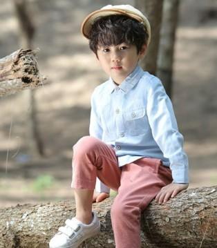 文艺小清新的小男孩 他们都穿上了森虎儿品牌童装