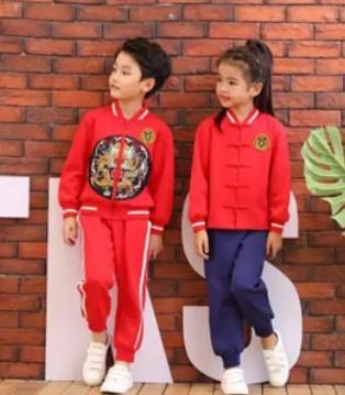 康正�|虎:幼儿园孩子冬季穿衣保暖的温馨提示