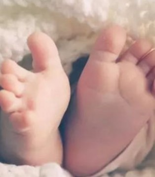 宝宝睡觉需要穿袜子吗 冬季穿袜子要注意什么