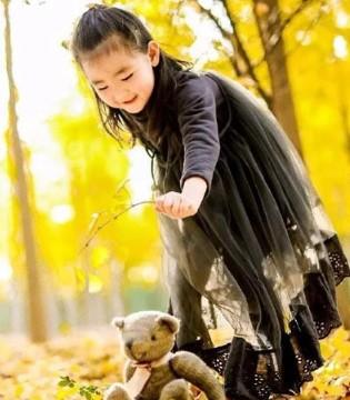 各种秋冬款式搭配 轻松打造俏皮可爱公主范