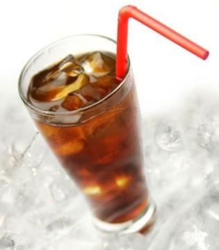 孩子喝碳酸饮料危害大 孩子喜欢喝饮料怎么办
