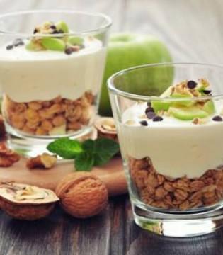 外面买的酸奶不放心 用这个一步就能做健康酸奶
