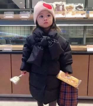 只想生个女儿 给她从衣服到配饰都用心搭配