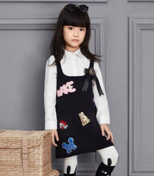 伊顿风尚童装流行款式 秋冬黑色服装搭配