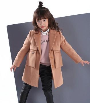 KIKI小鬼当家童装 还有什么比呢大衣更显气质呢