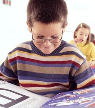 死记硬背对孩子危害大 如何让孩子轻松背书