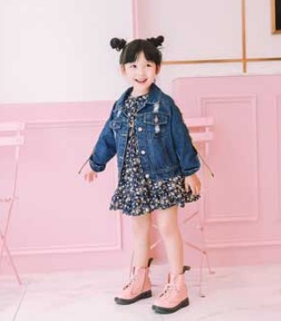 穿上青稚品牌童装的小女孩 就是如此时尚百变