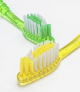 牙刷怎么用才正确 这些事项要注意