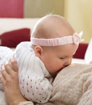 冬天晚上怎么喂奶方便 新手妈妈赶紧来学习下