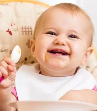 还在满世界追着孩子喂饭 独门秘籍 让TA乖乖吃饭