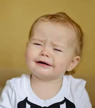 孩子哭了到底要不要抱 怎样的教育方法才是对孩子最好的