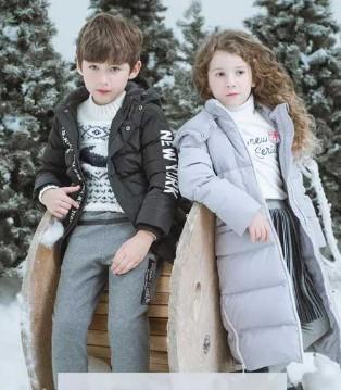 以纯童装新型外套上市咯 时尚长款更保暖哦