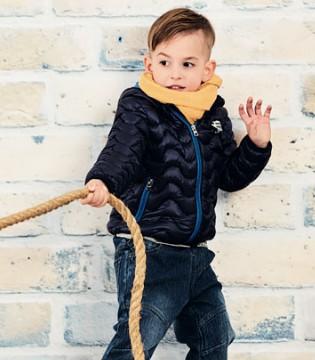 冬季时尚穿搭就来1001夜 彰显小男孩的帅气有型范