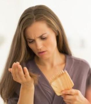 女性更年期脱发怎么回事 6个方法助调理
