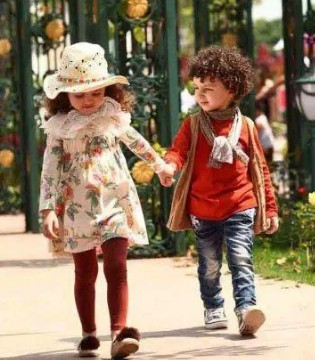 解析中国童装行业发展现状 与服装细分行业零售额