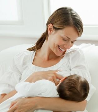 母乳喂养引起牛奶蛋白过敏 专家建议改用配方奶粉