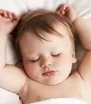 婴幼儿胃肠发育不成熟 放屁5种异常情况的应对法